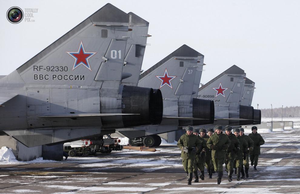 Русские военные демонстрируют свою мощь