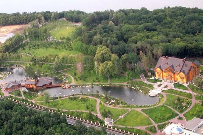 Резиденция Януковича в Межигорье — музей украинской коррупции (47 фото)