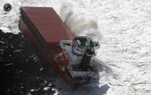 cargo_ship_broken_up_005