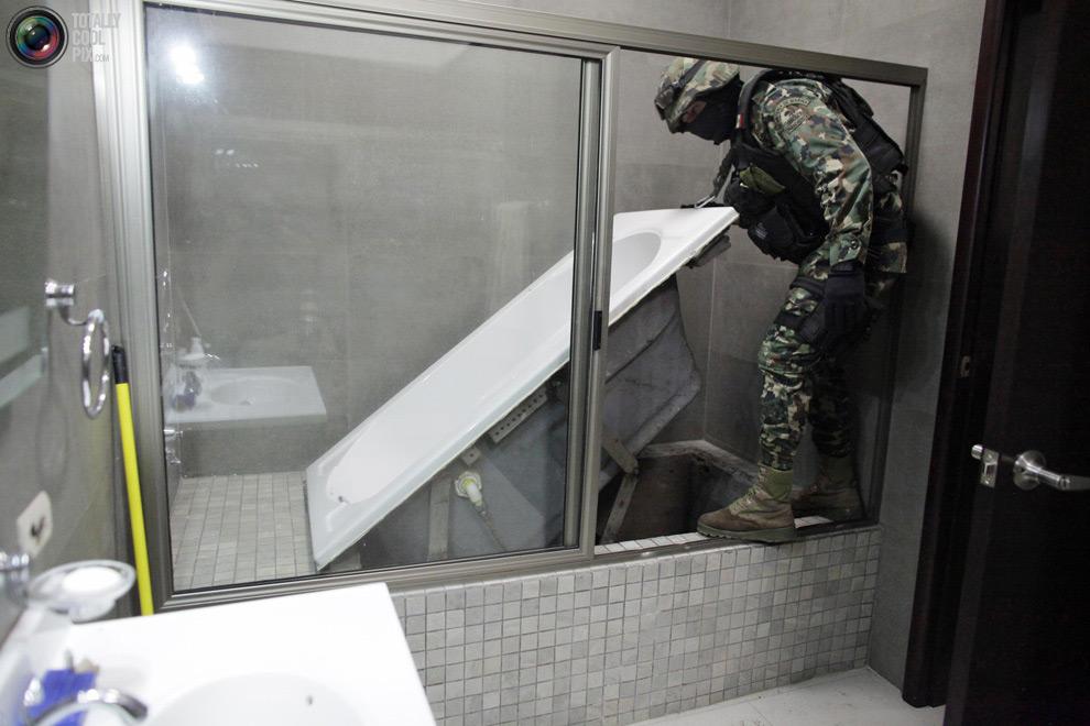 """Секретные подземные тоннели наркобарона Хоакин """"El Chapo"""" Гусман"""