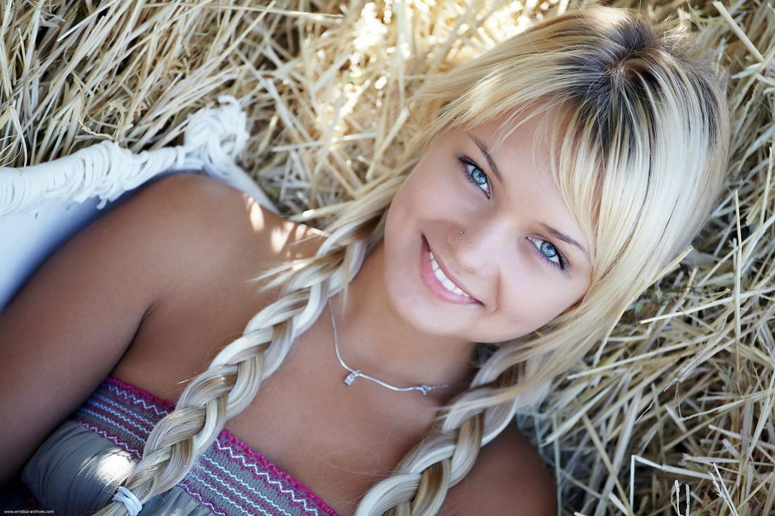 Коллекция самых красивых девушек с просторов интернет ( 70 фото )